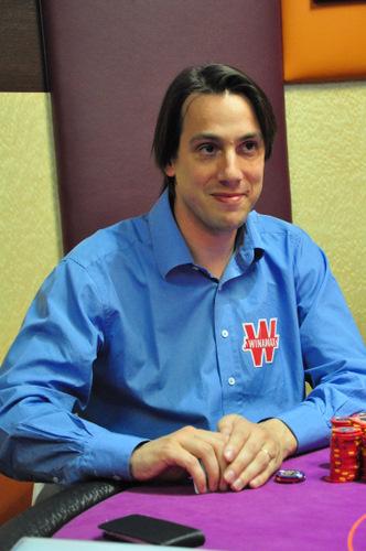 agen poker kiukiu