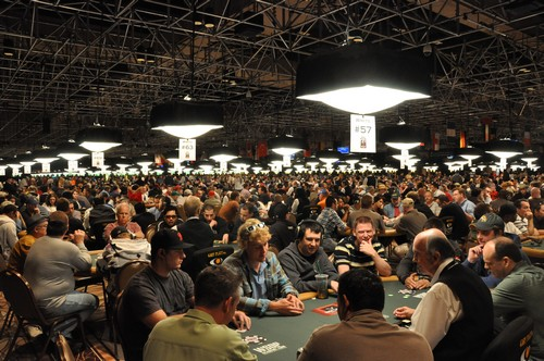 https://www.winamax.fr/img/coverage/WSOP2010/Day2/DSC_0175.JPG